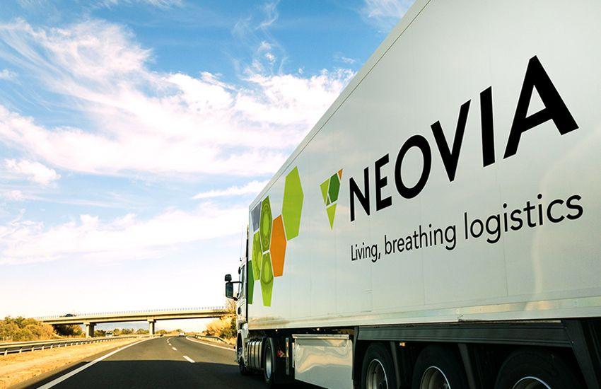 Neovia semi truck on road